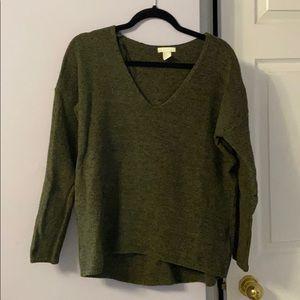 H&M Olive Green Size M Vneck Sweater